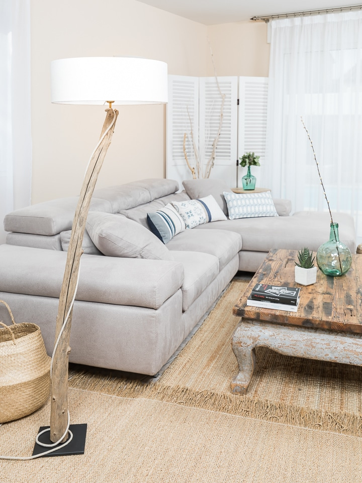 ambiance nature lampadaire en bois flott avec abat jour. Black Bedroom Furniture Sets. Home Design Ideas