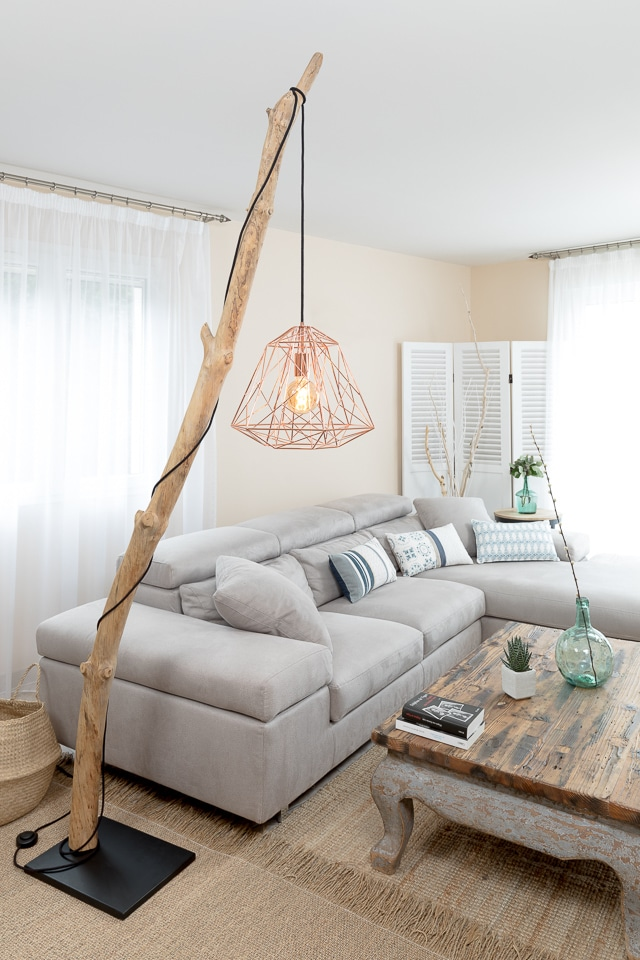ambiance nature lampadaire en bois flott avec suspension cage. Black Bedroom Furniture Sets. Home Design Ideas
