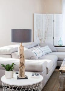 Lampe de table en bois flotté avec abat jour coton, fil jute et douille 2 bagues laiton