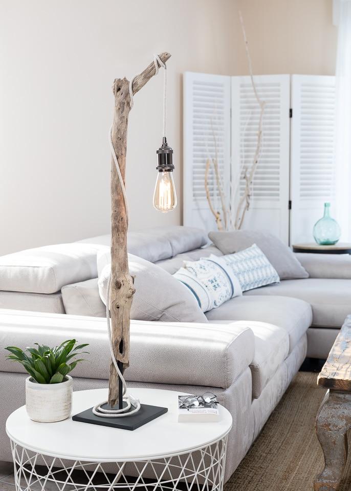 Lampe de table en bois flott et ampoule vintage for Boutique de bois flotte