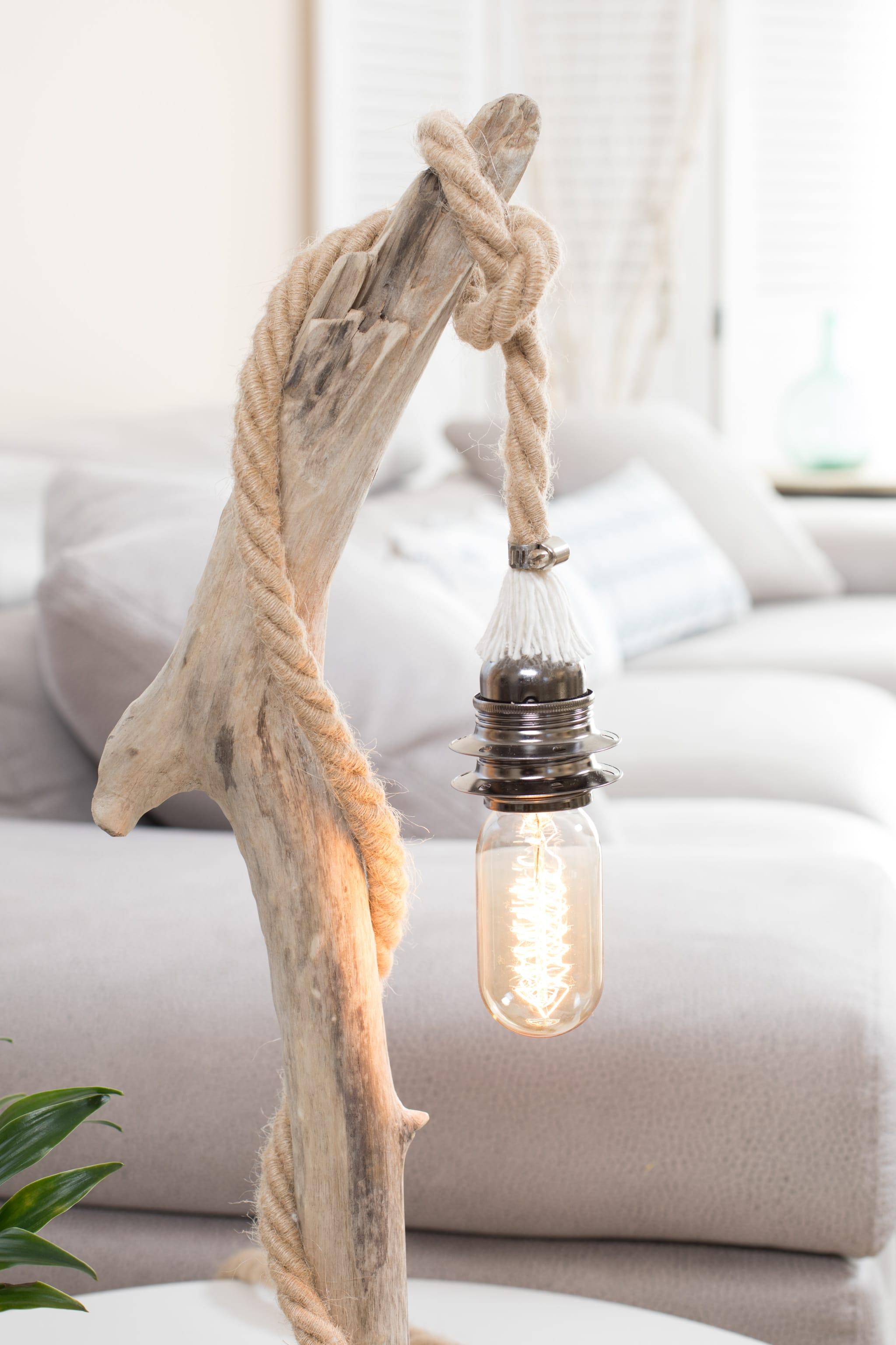 Lampe en bois flotté et ampoule radio VENDU | Ambiance & Nature