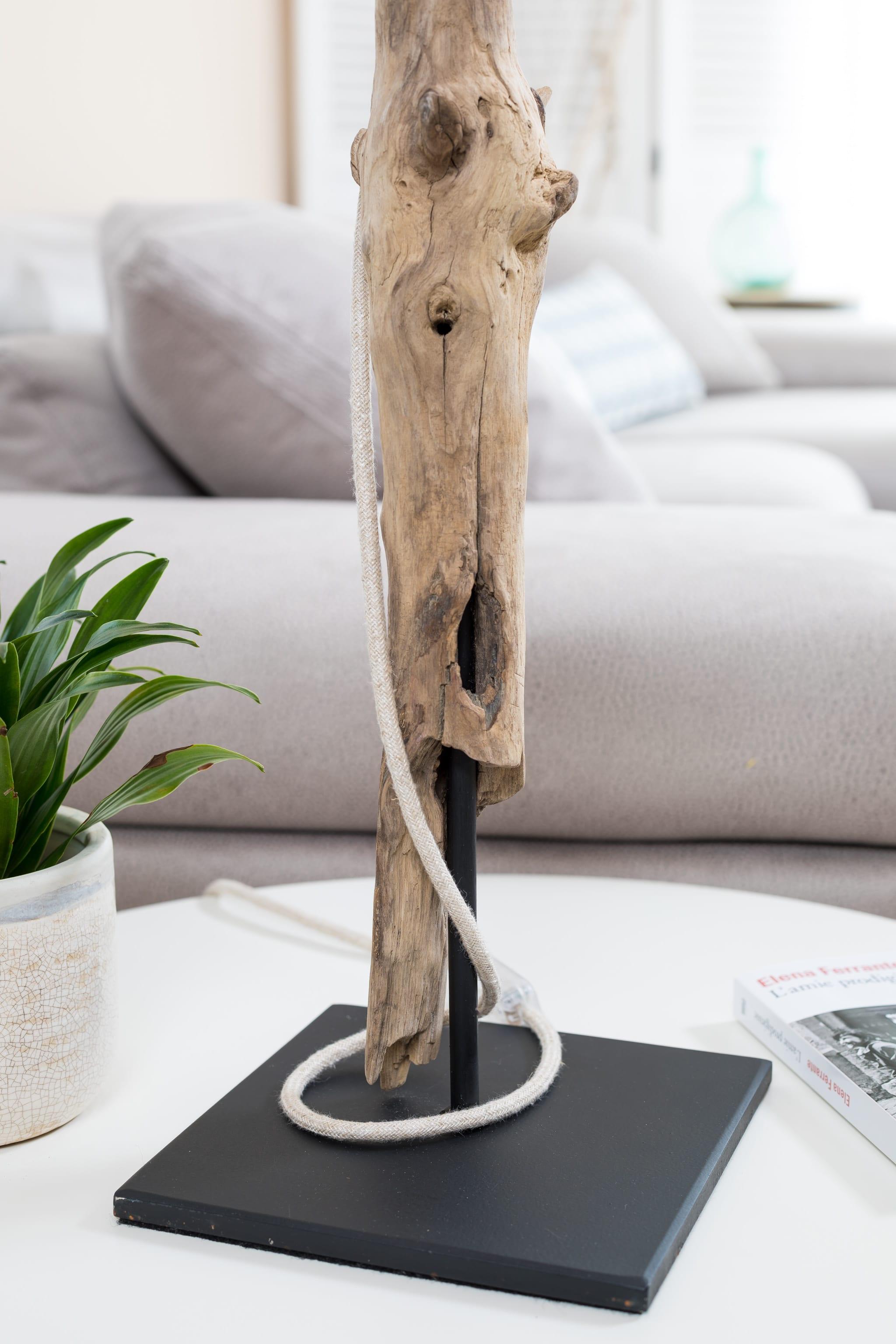 lampe en bois flott et ampoule edison ambiance nature. Black Bedroom Furniture Sets. Home Design Ideas