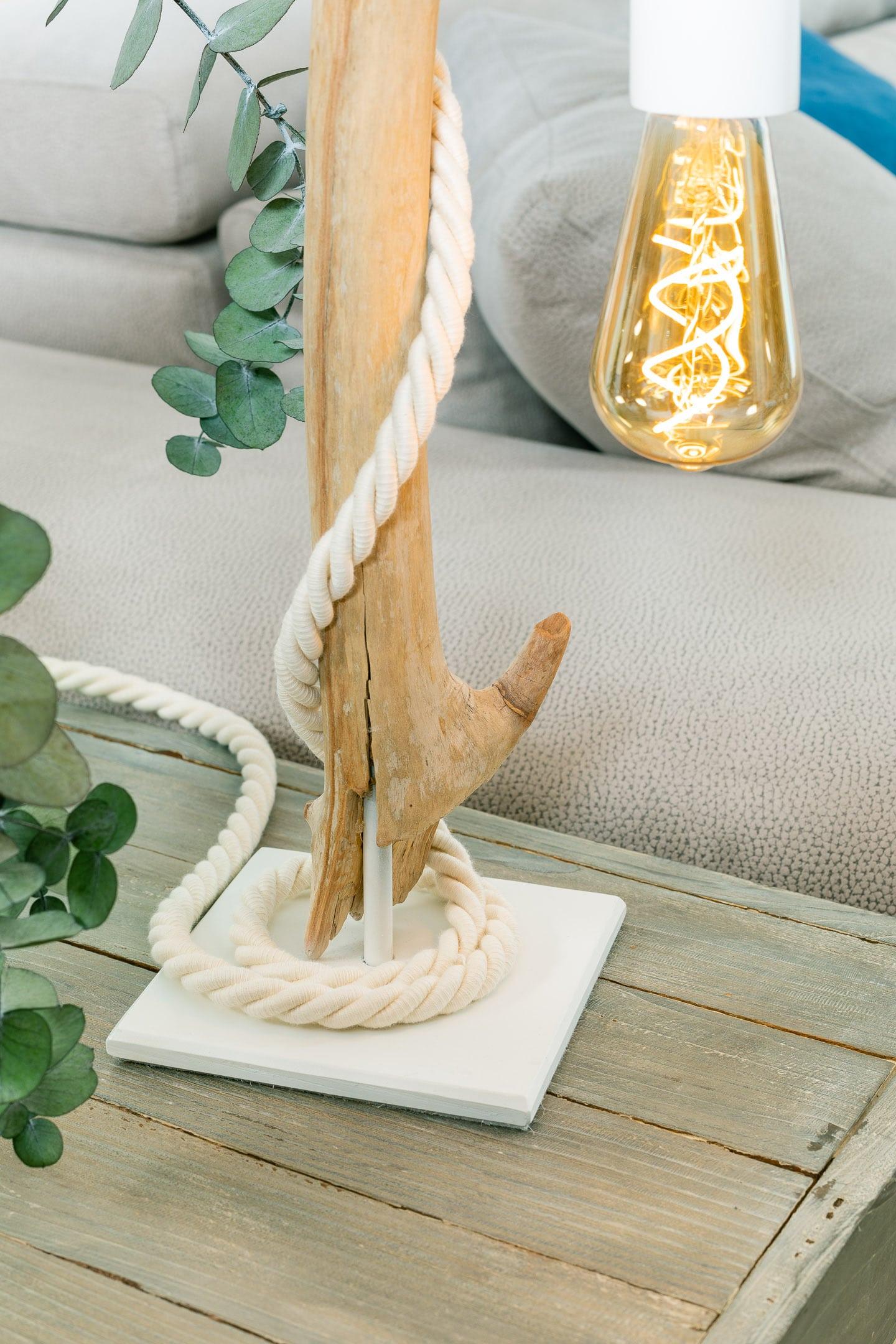 Lampe En Bois Flotte Et Ampoule Vintage Vendu Ambiance Nature